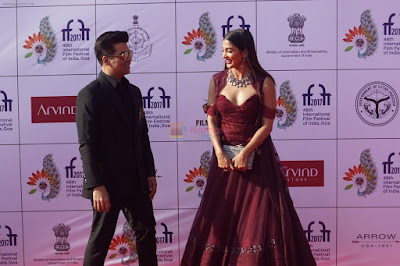 Pooja-Hegde-At-IFFI-2017-Closing-Ceremony-in-Mumbai