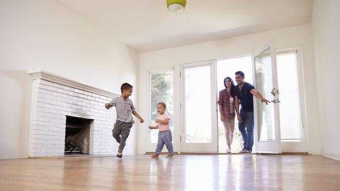 Chuyển dọn nhà vào ngày hợp bản mệnh gia chủ để đảm bảo sự suôn sẻ