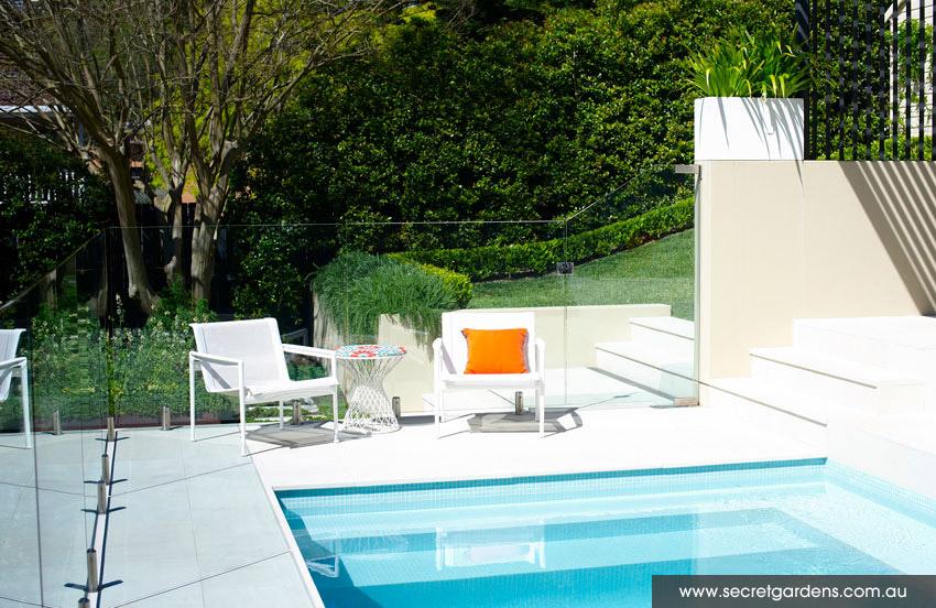 d couvrir l 39 endroit du d cor jardin sur niveaux. Black Bedroom Furniture Sets. Home Design Ideas