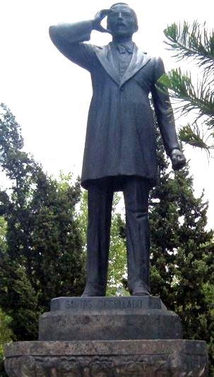 Foto al monumento de José Santos Degollado