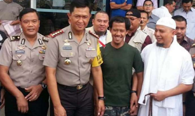 Ust. Arifin Ilham Jadi Penjamin Tersangka Pengibar Bendera
