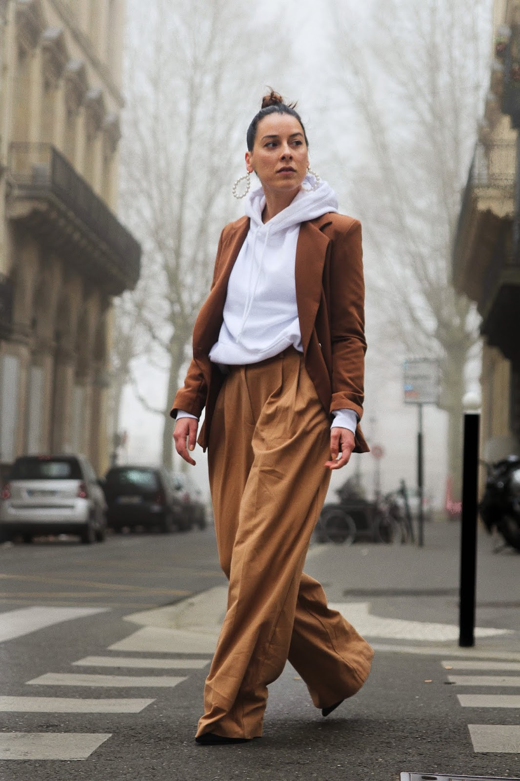 looks printemps 2019, caramel, beige, ensemble femme, costume,idée de look