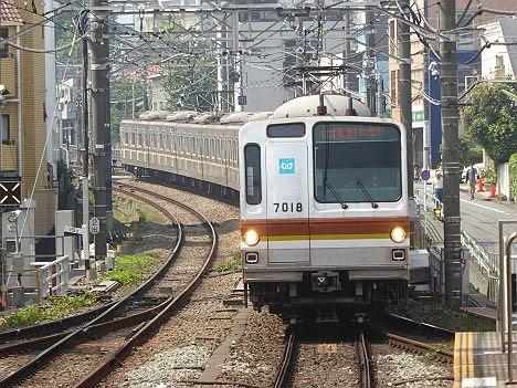 【レア運用!】メトロ7000系の通勤特急 和光市行き