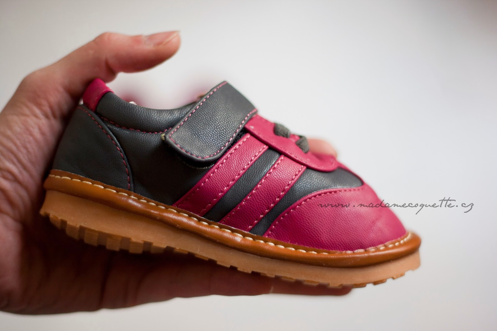 86db0553b29 Na první pohled a dotek se oba dva typy bot jeví jako dobré barefoot boty  splňující všechny základní požadavky