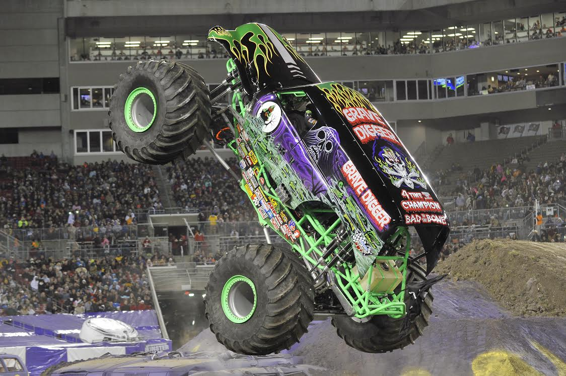 metro pcs presents monster jam in pittsburgh february 12 14 details and giveaway sand and snow. Black Bedroom Furniture Sets. Home Design Ideas