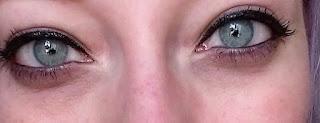 light blue green eyes black liquid eyeliner mascara pretty hooded eyelids