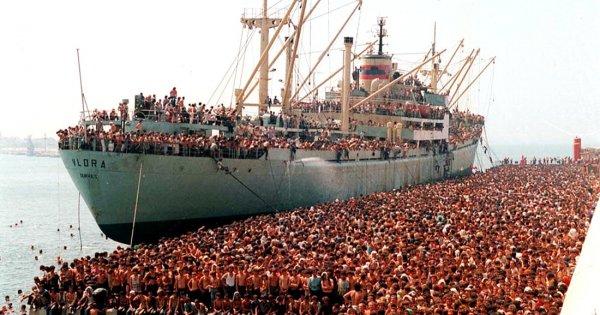 Η Ιταλία ξεκινά πόλεμο κατά της λαθρομετανάστευσης - Μ.Σαλβίνι: «Μαφία & ΜΚΟ είναι τα ίδια σκ...τά-Θα τα καθαρίσουμε»