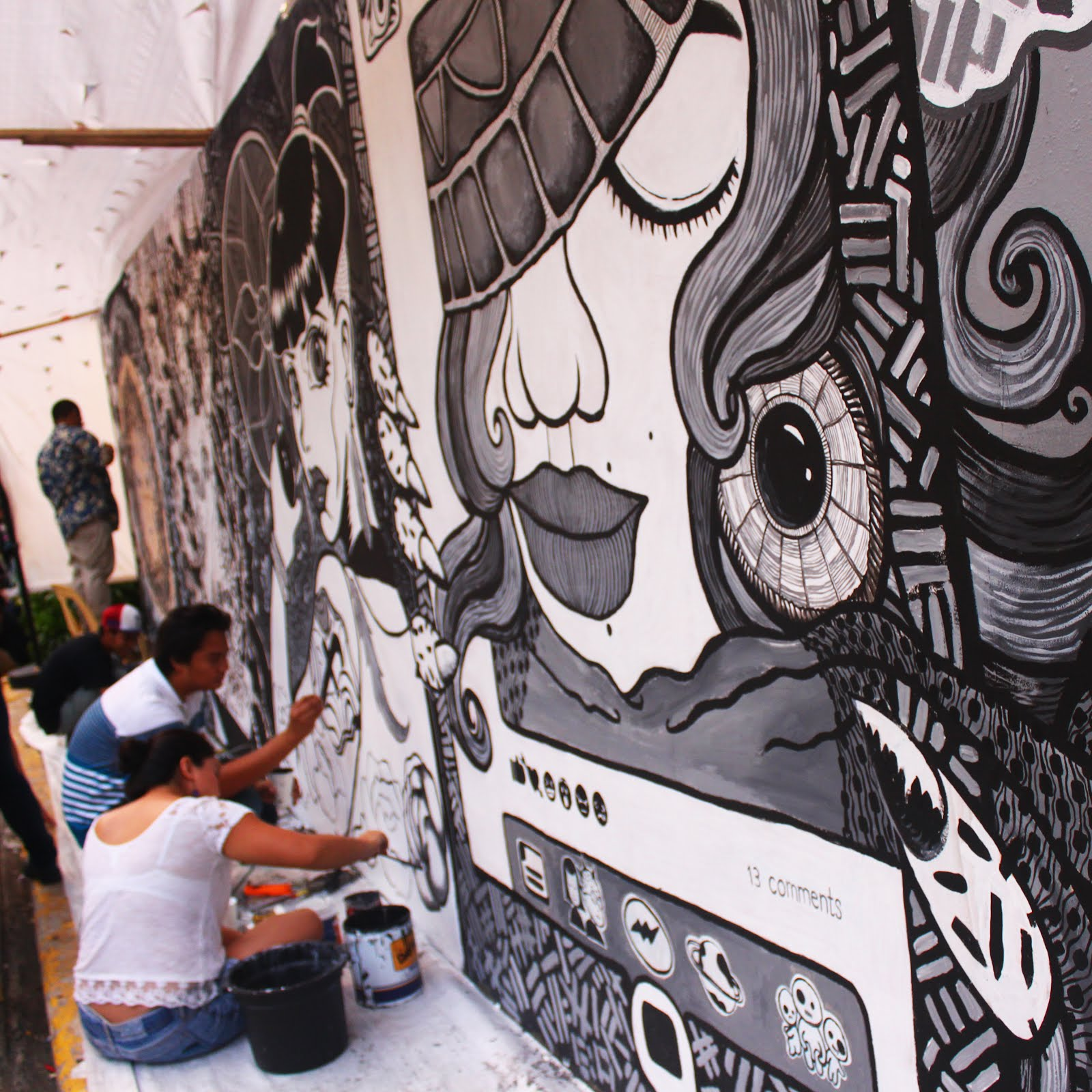 Larger and larger circles Iloilo's 'burgeoning' cultural movement shows no sign of slowing down. Community, Art, Artivism, Advocacy, Iloilo, ViVa ExCon, Kat Malazarte, Kristine Buenavista, Marrz Capanang, Jonn Laserna, Street, street art