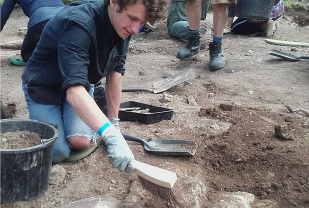 Dartmoor dig sheds light on medieval manor