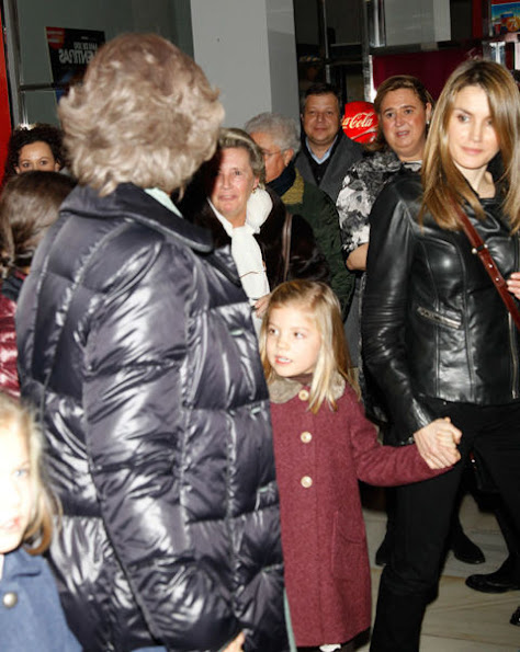 "Queen Sofia,Princess Letizia and her daughters watched the musical ""Sound of Music"" with İnfanta Elena,İnfanta Cristina and their  children"