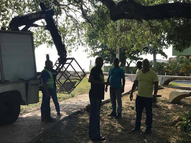 "Alcaldía de Barahona dispone operativo de limpieza ""alcalde Tavito Suberví Nin"" supervisa labores."