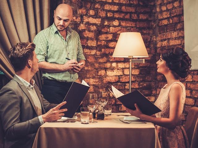 Τι να μην παραγγείλεις ποτέ σε ένα ρομαντικό δείπνο