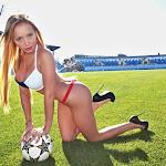 Daniella Chavez Foto 4