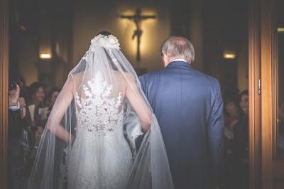 entrata in chiesa sposa
