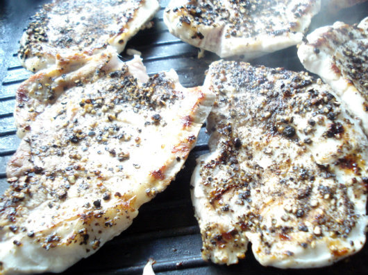 Glazed pork chops by Laka kuharica: Add pork chops, pepper side down, and cook