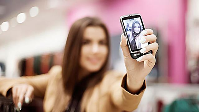 Kecanduan Selfie Berkibat Pada Gangguan Mental, Hoax Atau Fakta?