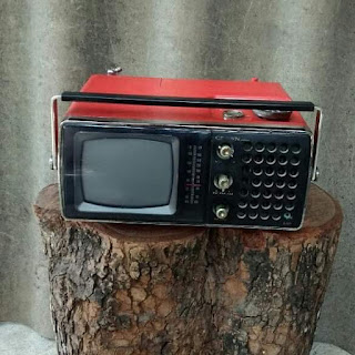 Jual tv radio jadoel merk crown 1975 japan