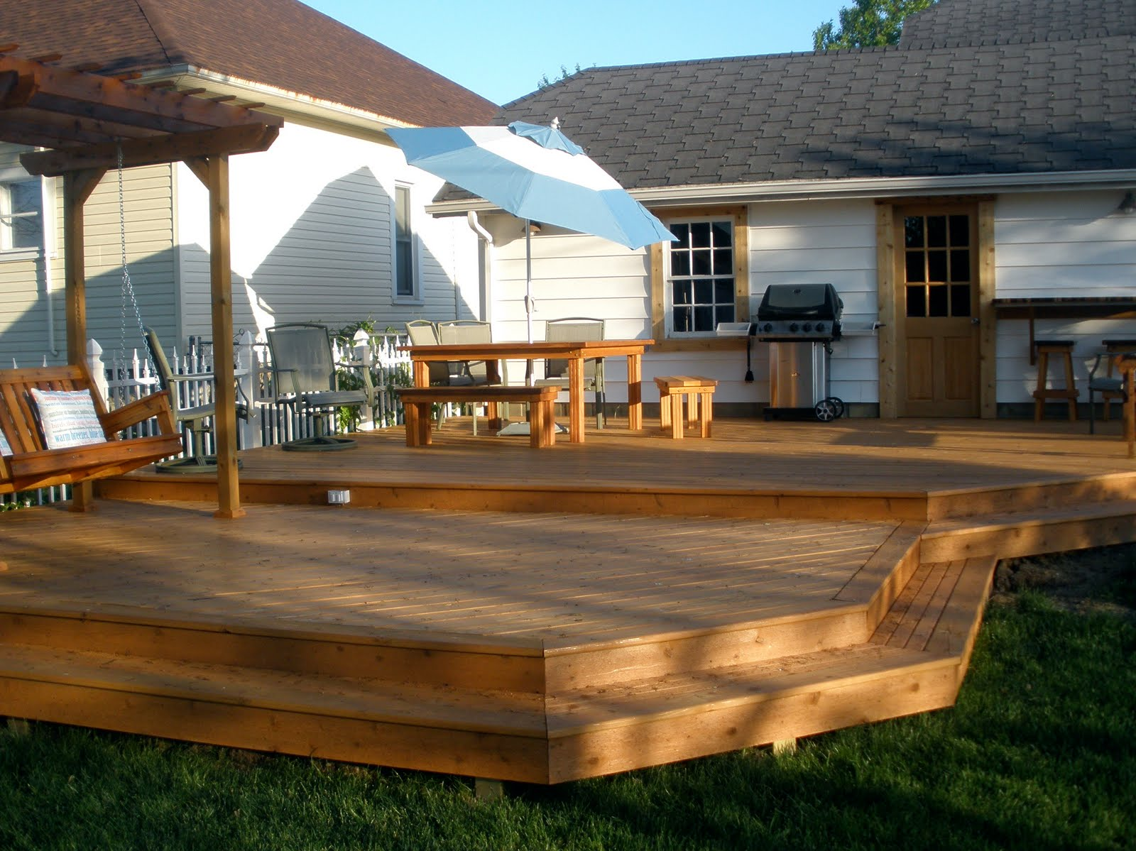 Wooden Dreams on Tiered Patio Ideas id=96069