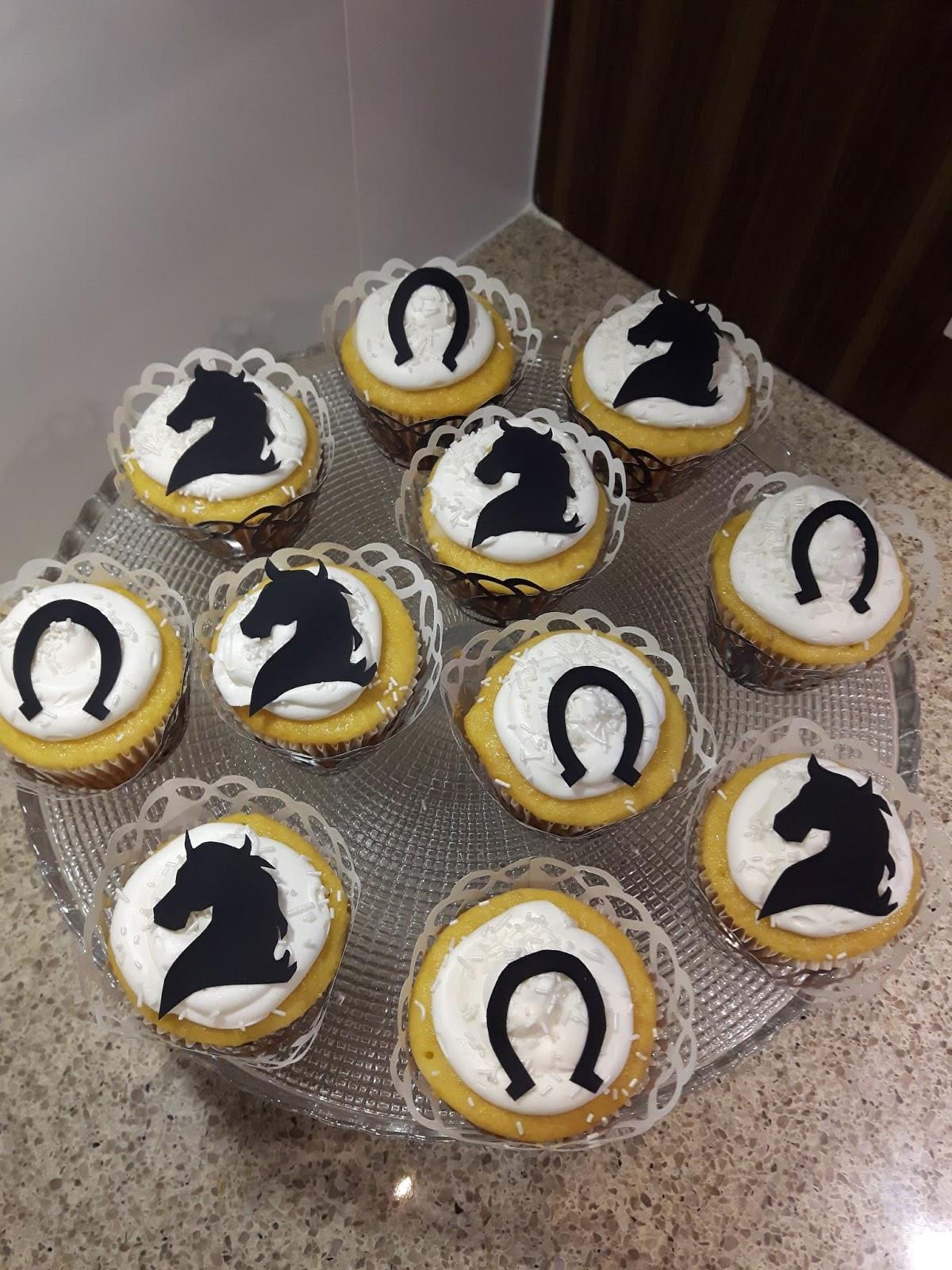 Dreams Factory Horse Themed Cupcakes