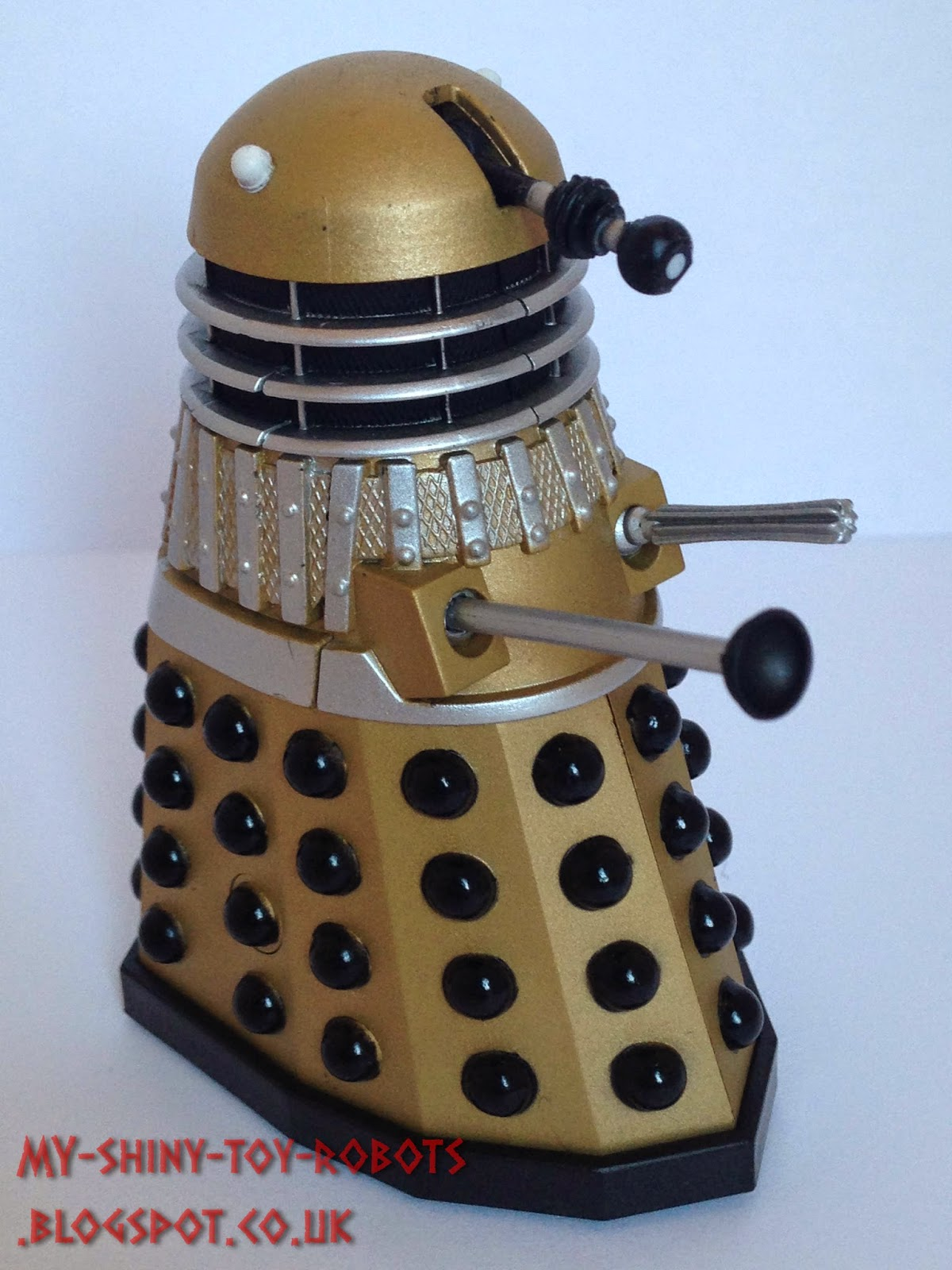 Gold Dalek Side