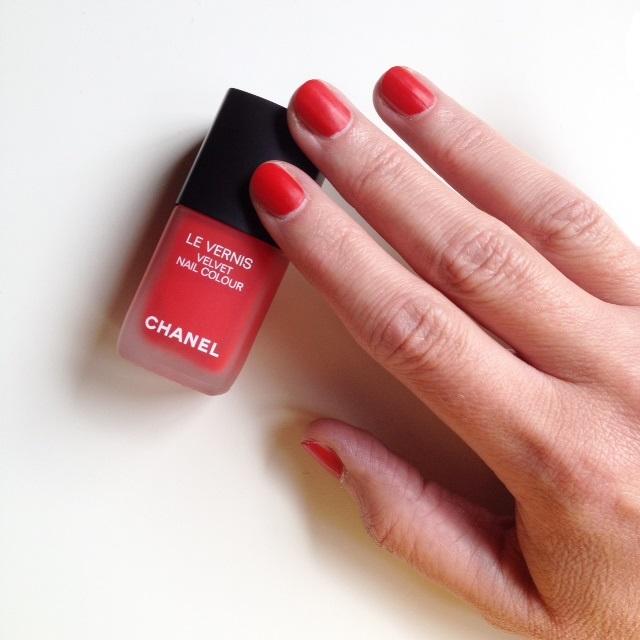 Chanel Le Vernis Velvet '636 Ultime'