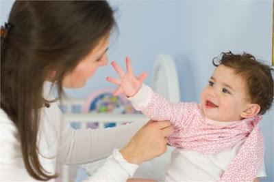 Cha mẹ nên làm gì khi trẻ bị dị ứng do thời tiết?