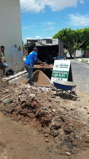 Secretaria de Infraestrutura de Delmiro Gouveia continua realizando diversas ações de limpeza e melhorias