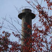 枚方市妙見山配水池にある旧陸軍香里製造所・第三汽缶場跡煙突