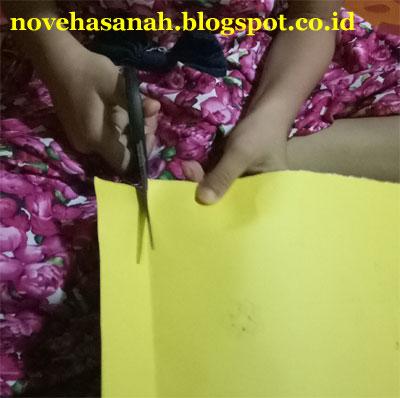 membuat jarum jam dari kertas karton berwarna