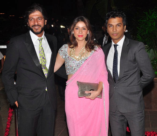 Chunkey Pandey with wife Bhavna, Vikram Phadnis