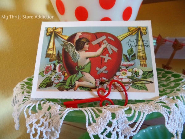 How to Create Seasonal Vignettes with Vintage Collections mythriftstoreaddiction.blogspot.com Jadeite, Fire-King and vintage valentine postcards