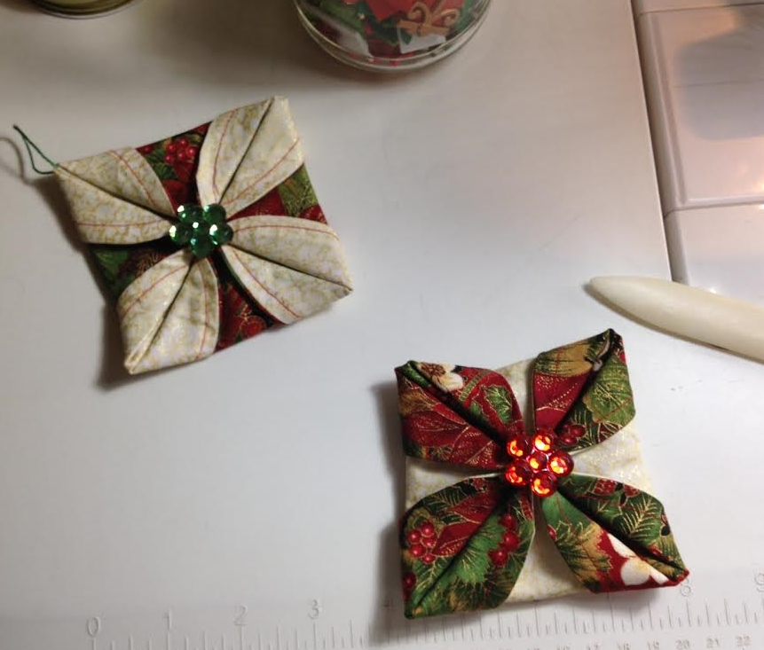 Folded Fabric Christmas Tree: Life In The Scrapatch: Folded Fabric Christmas Ornaments