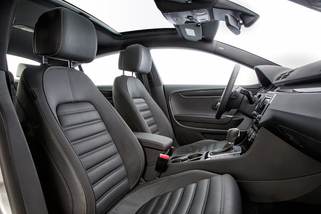 Interior view of 2017 Volkswagen CC Sport