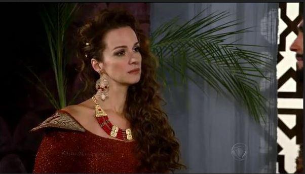 Figurino rainha Elda (Francisca Queiroz) Os Dez Mandamentos segunda temporada, brinco e colar