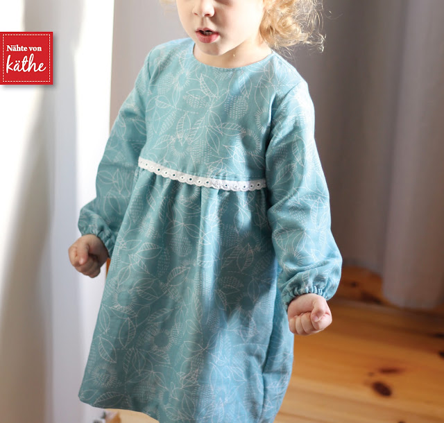 "Lillian als Kleid von Mariele aus CLOUD9 Double Gauze Bio ""Backstitch Blue"" Threads"