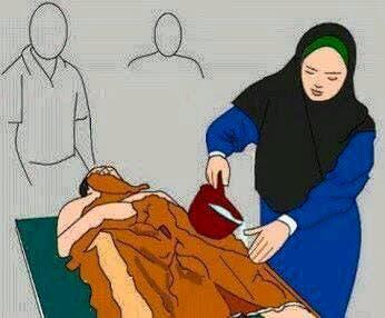 perpisahan sementara, istri memandikan jenazah suami tercinta karna allah