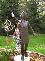 Resultat d'imatges de senbazuru monumento