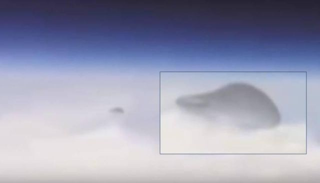 UFO News ~ NASA films UFO traveling out of Earth's atmosphere and MORE Nasa%2Bufo%2Biss%2Balien