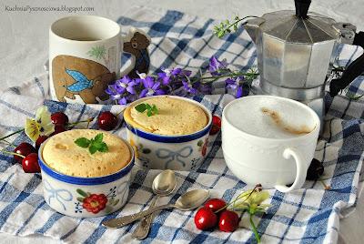 426. Zapiekany kogel mogel z czereśniami na śniadanie