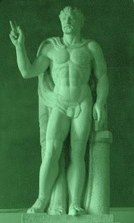 Visão Noturna da Escultura da Faculdade de Direito, na Recoleta