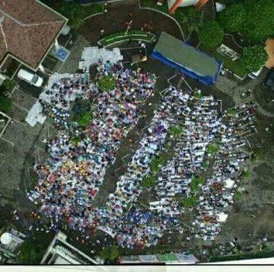 Tanpa Disadari, Puluhan Ribu Jamaah Subuh Masjid Al Falah Surabaya Membentuk Lafadz Allah
