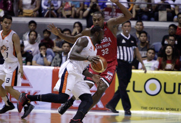 PBA Finals: Meralco avoids sweep against Ginebra, takes Game 3