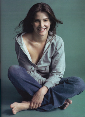 Hollywood: Cobie Smulders Hot Pictures Gallery 2012
