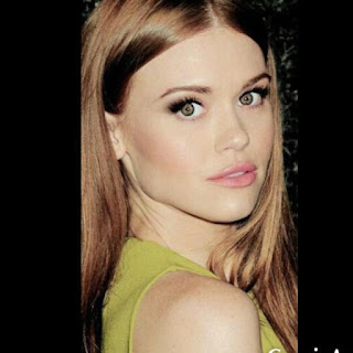 Holland Roden age, boyfriend, dating, birthday, date of birth, feet, weight, and max carver, hot, taylor roden, movies, grey's anatomy, hair, bring it on, lost, colton haynes and, vikings, and tyler posey, makeup, red carpet, house of dust