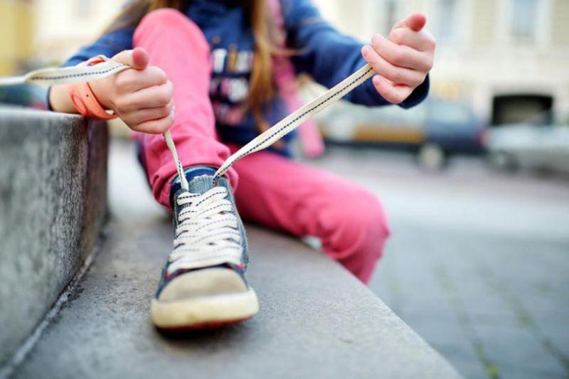 Doğru ayakkabı mutlu çocuk!