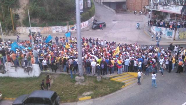 Marcha opositora pudo llegar a la cárcel de Ramo Verde