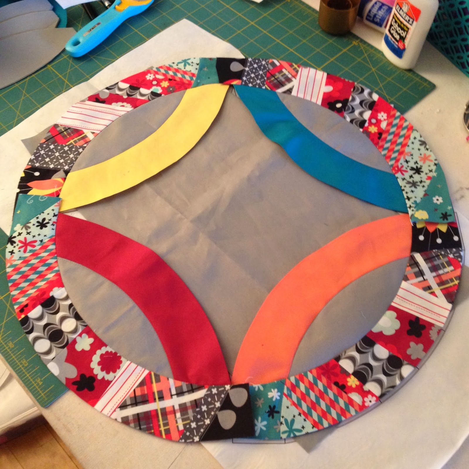 double wedding ring quilt along lets wedding ring quilt pattern Improv Pieced Arches Nordika by Jeni Baker