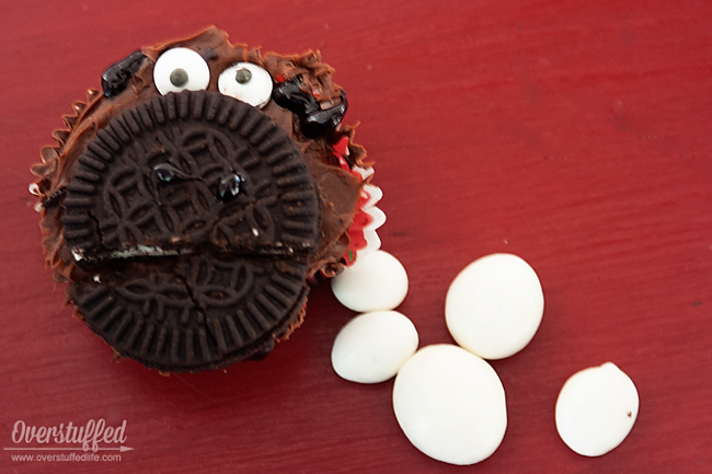 Refreshment idea for a book club to discuss The One and Only Ivan: Gorilla cupcakes and yogurt covered raisins.