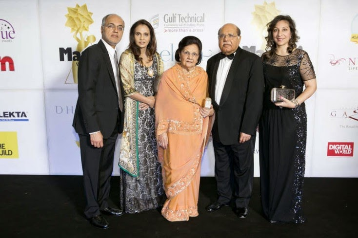 Lifetime Achievement Award Winner GB Choithram Jethwani with family, Masala! Awards 2014 Photo Gallery