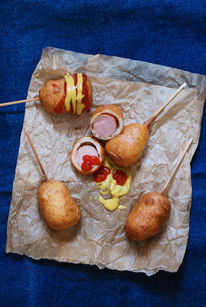 corn-dogs-frankfurts-rebozados